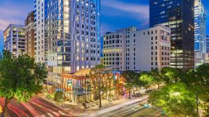 Aloft Austin Downtown Hotel